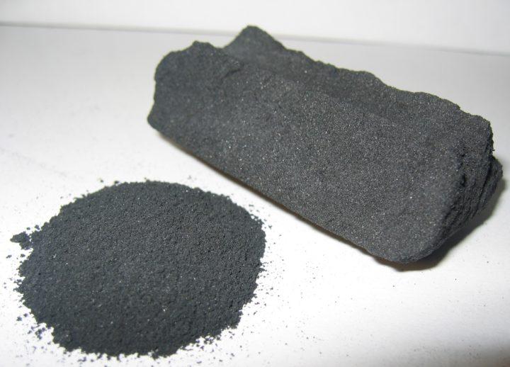 Le charbon végétal actif, pour débarrasser les toxines