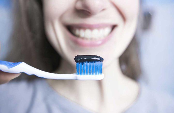 Le charbon pour des dents plus blanches ?