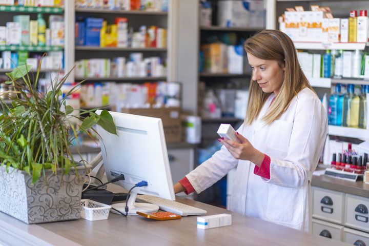Pharmacien-role de pharmacien