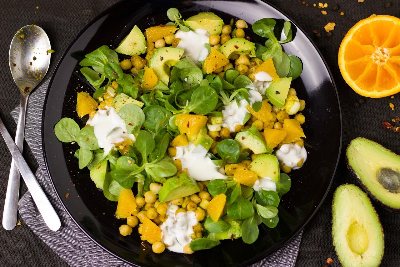 plat de curry végétarien au pois chiches et chou fleur