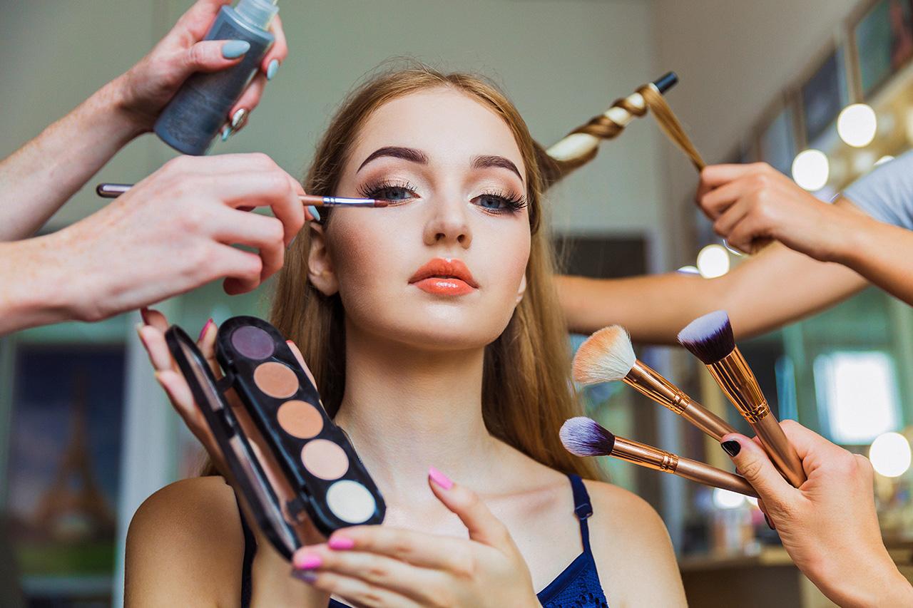 Maquillage et aliment produits BIO