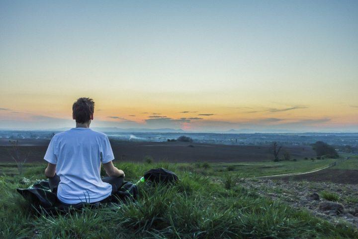 Méditation dans un environnement calme
