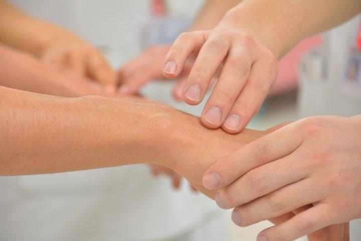 Ostéopathie- une solution pour les crises d'arthrose