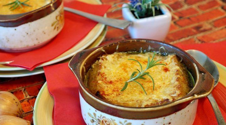 La soupe d'oignon gratinée, la soupe traditionnelle française