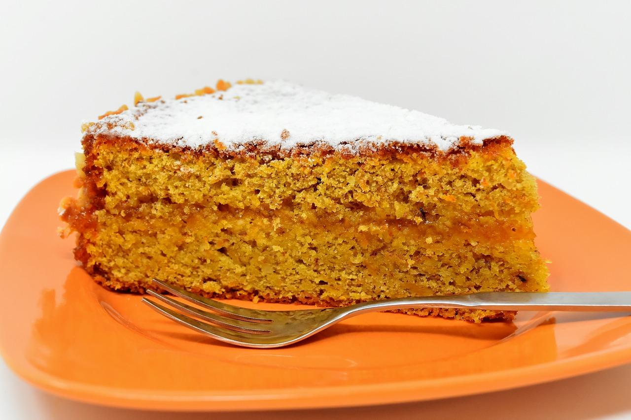 Gâteau saupoudré de sucre à inuline