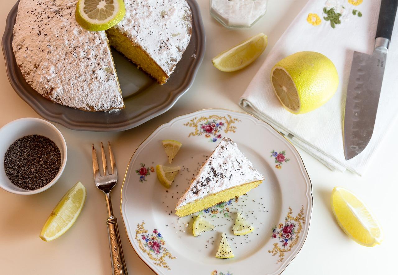 gâteau saupoudré de sucre glace